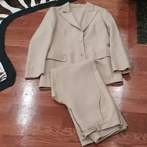 Gucci tan suit designed by Tom Ford